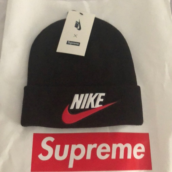 f8152fefcc0bf Supreme x Nike beanie